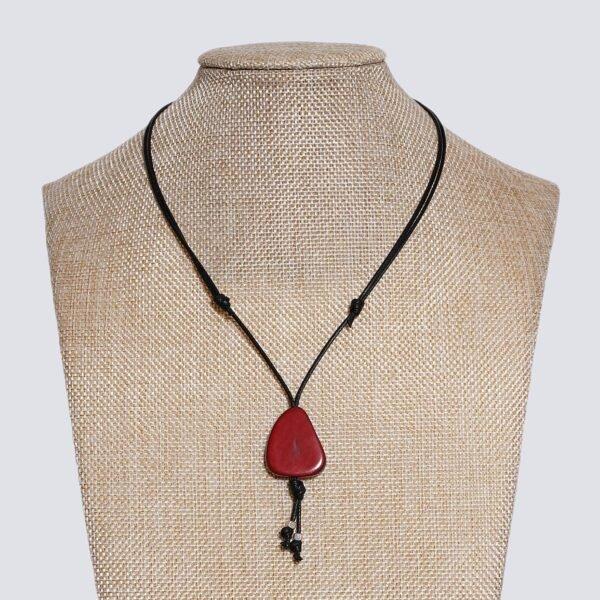Girocollo fetta Tagua colorata rosso