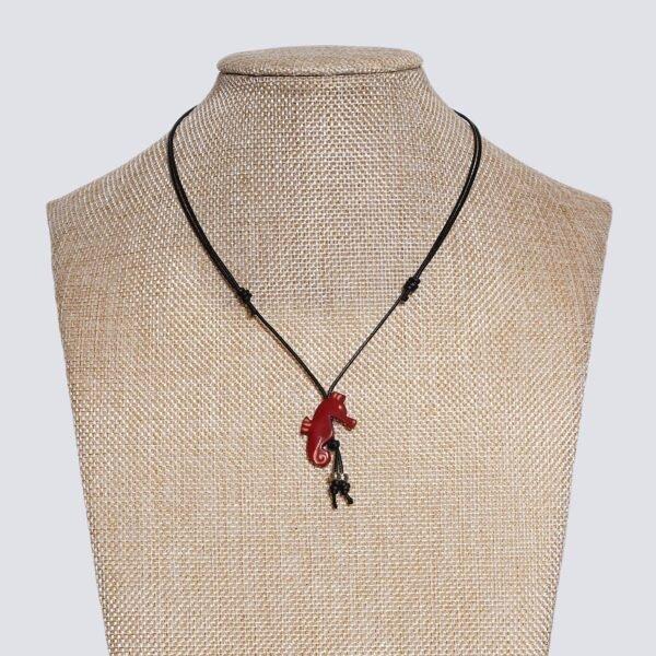 Girocollo animaletti Tagua colorata cavalluccio marino rosso
